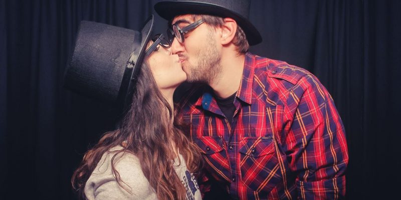Top 6 Kissing DONT's